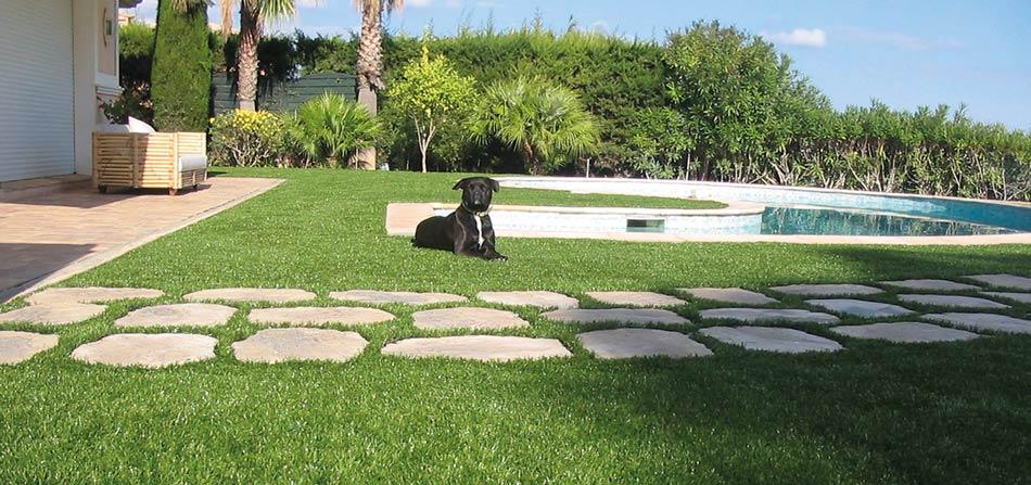Giardini in erba sintetica servizi allo sport di - Foto di giardini privati ...
